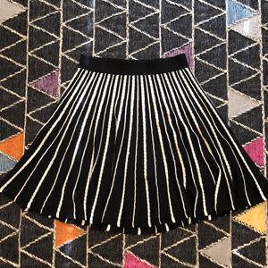 ♡Like New Anthropologie Black & White Knit Skirt L